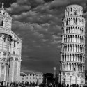 Pisa-tower-and-duomo-bw